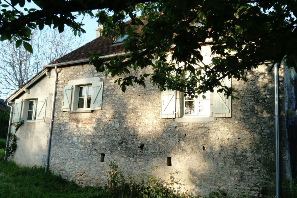 La façade côté Dordogne