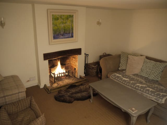 4 Bed Country Cottage opposite pub - Warborough - Dom