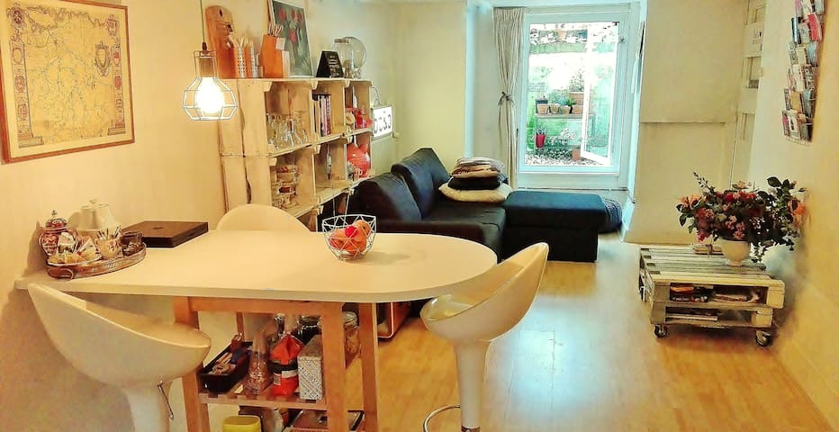 Bed, bath&basement appartment - Nijmegen - Apartament