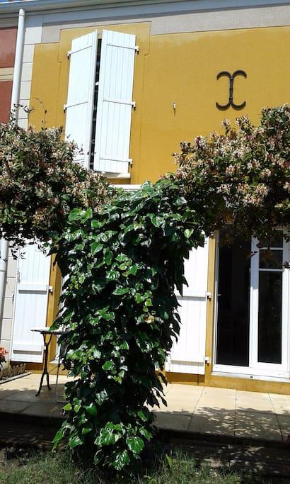 Maison de ville cosy proche bordeaux maisons de ville louer bruges nouvelle aquitaine france - Maison de ville bordeaux ...