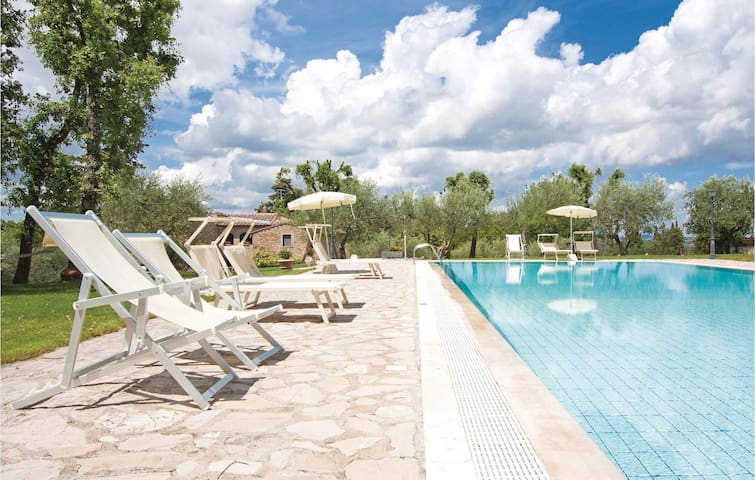 Holiday apartment with 2 bedrooms on 57 m² in San Donato in P. FI