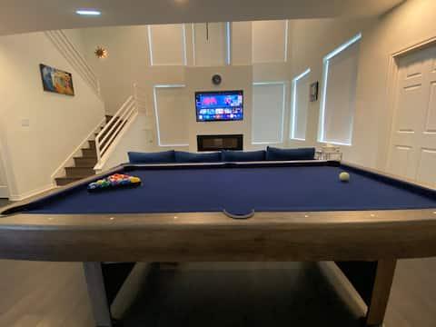 ♥️🔥Luxury Houston Home w/Media Room & Pool Table🎱🎞