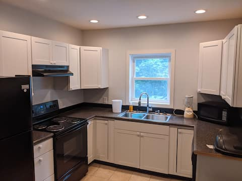 3 Bedroom Single Family in College Town