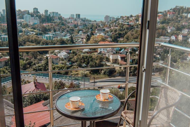 2 комн. квартира с балконом и видом на море. 29