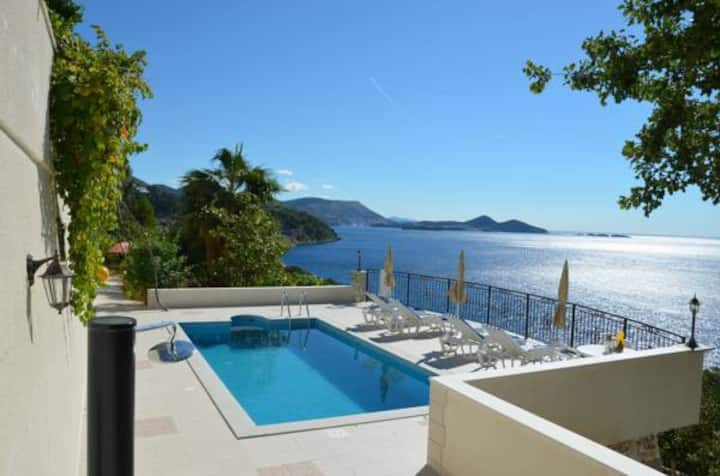 Villa Oliva-oasis of peace&beauty (with balconies)