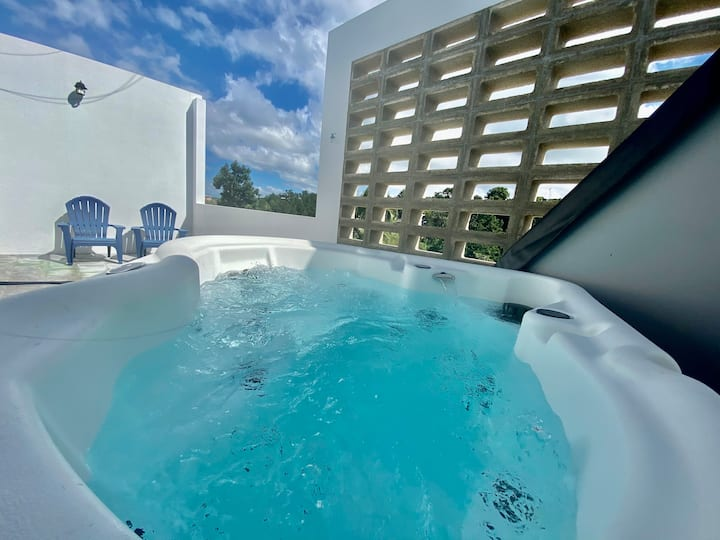 Modern Rincon Private Jacuzzi Studio