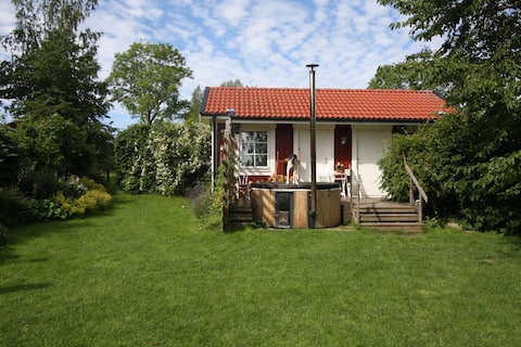 Small countryside house near city. Hot tub, sauna