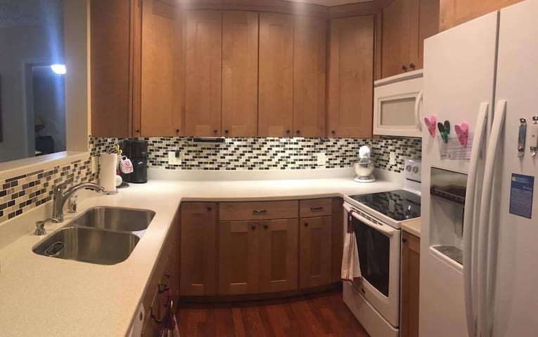Cute ZLL home with private fully fenced backyard