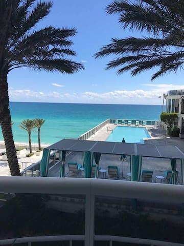 3 BDR 3.5 BATrump Tower Sunny Isles - North Miami Beach - Huoneisto