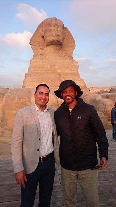 """we host the most favorite actor in the whole world """" Will Smith """" to the pyramids with his family"""