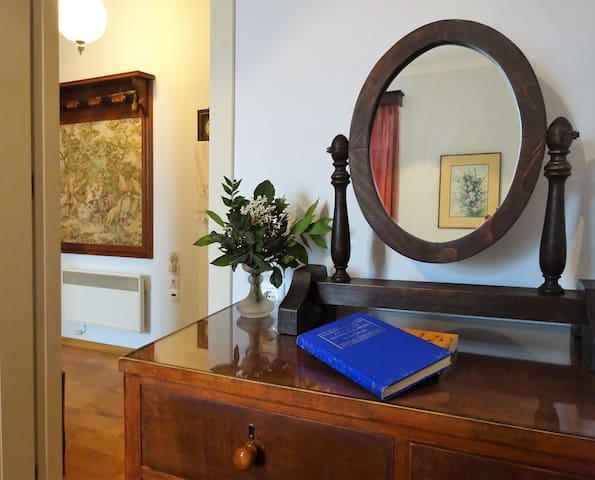 Platy Kantouni apartment in the center of old town