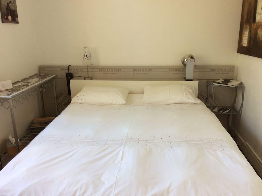 cosy chambre pas de frais m nage cannes h pital maisons de ville louer cannes provence. Black Bedroom Furniture Sets. Home Design Ideas