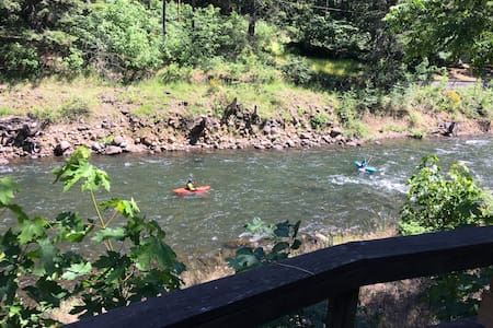 Gorgeous Adventure on The White Salmon River