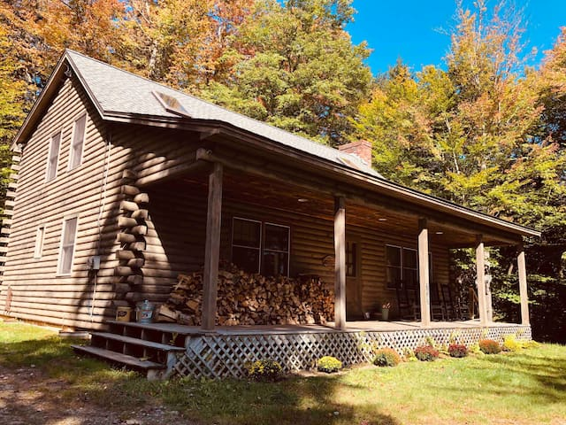 Mt. Snow/Stratton Log Cabin in the Woods
