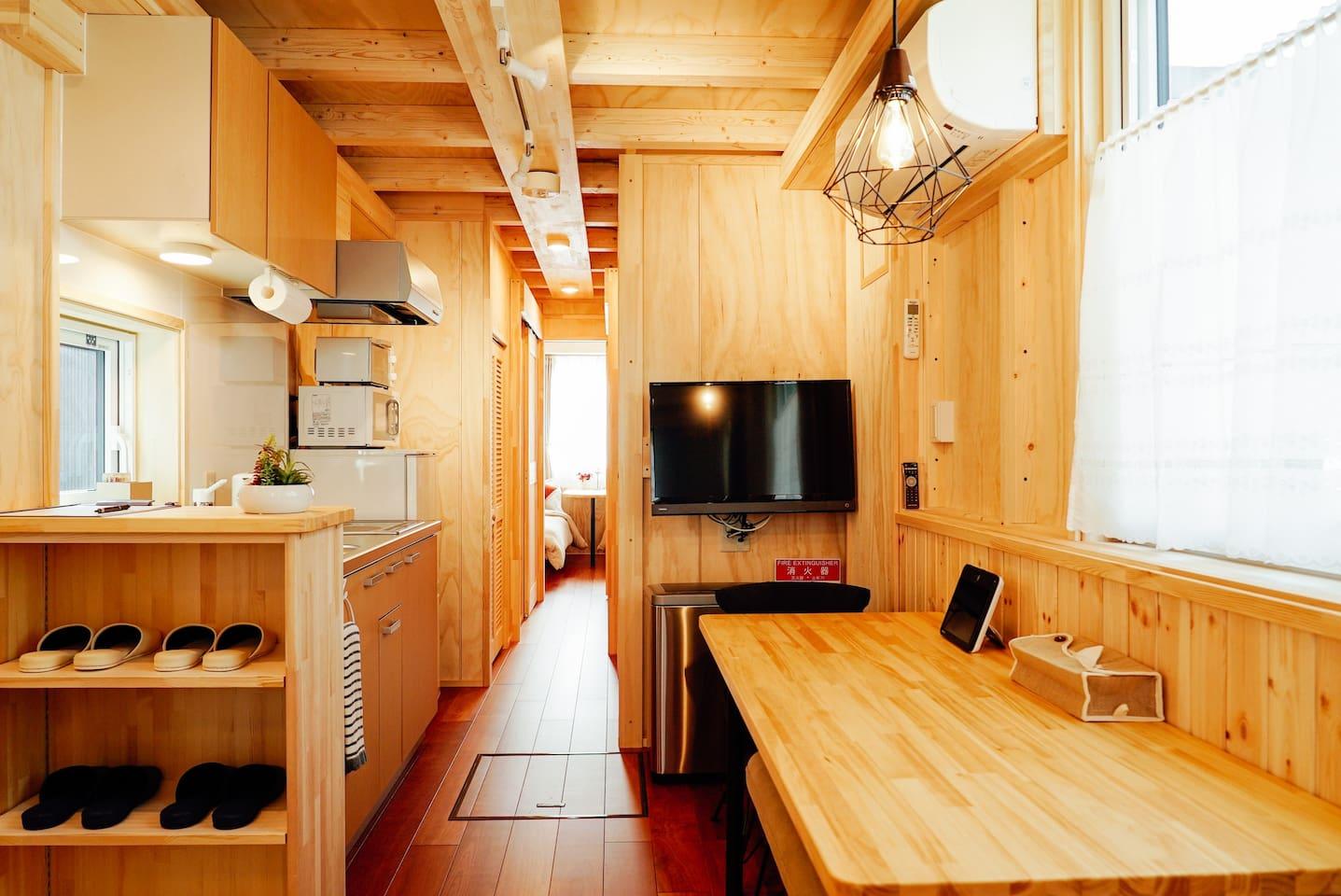 溫馨的客廳,設備齊全的廚房,還有洋式臥房盡收眼底