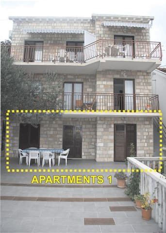 Apartmani DORIS 1 - Trpanj - Apartment