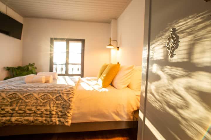 Philos Guesthouse/ Friends Room