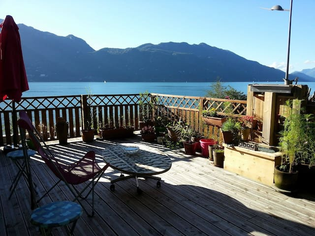 T4 au bord du Lac du Bourget, vue imprenable - Tresserve - Apartment