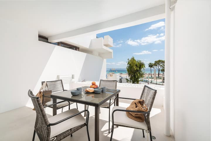 SA NACRA - Fantastic and modern apartment with sea views and 50 meters from the beach. Ideal for couples.