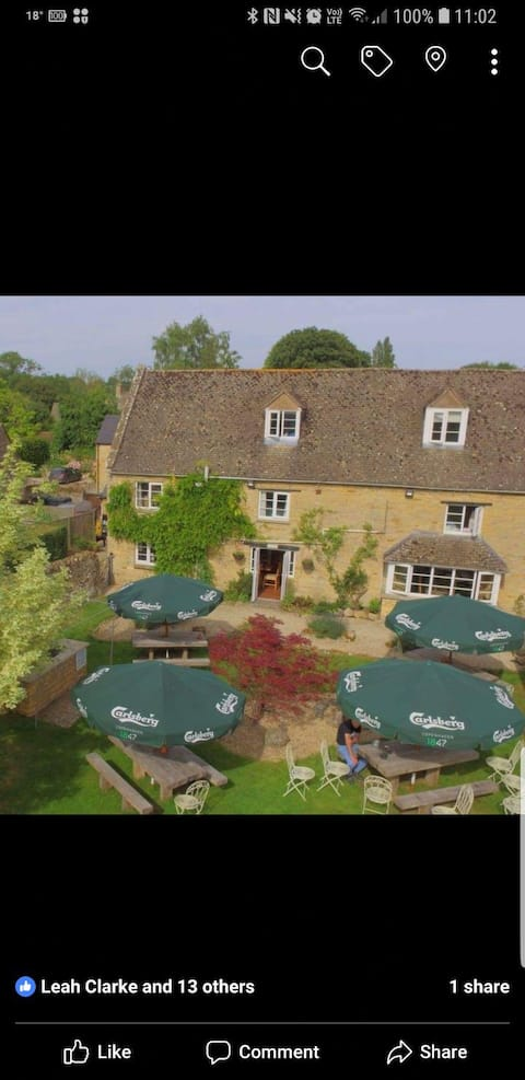The Red Lion Inn, Little Compton Room 2