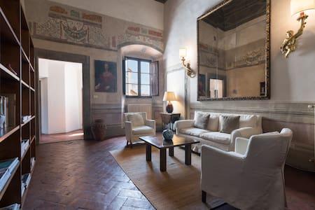 Appartamento in borgo medievale a 7 km da Firenze