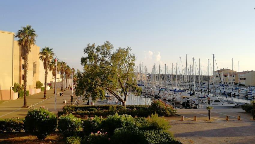 Le Lamparo entre Port et Mer