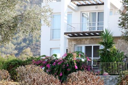 Beautiful Garden Apartment with Amazing Views - Tatlısu