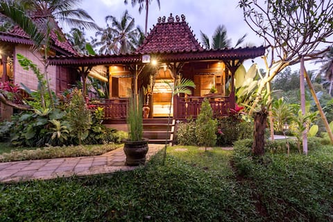 BeBaliHut, one bedroom Bungalow in the Agriculture