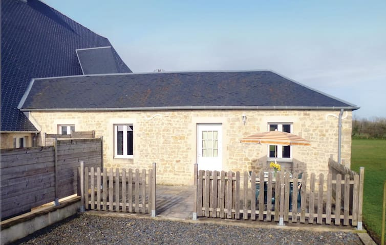 Semi-Detached with 2 bedrooms on 30m² in Deux-Jumeaux