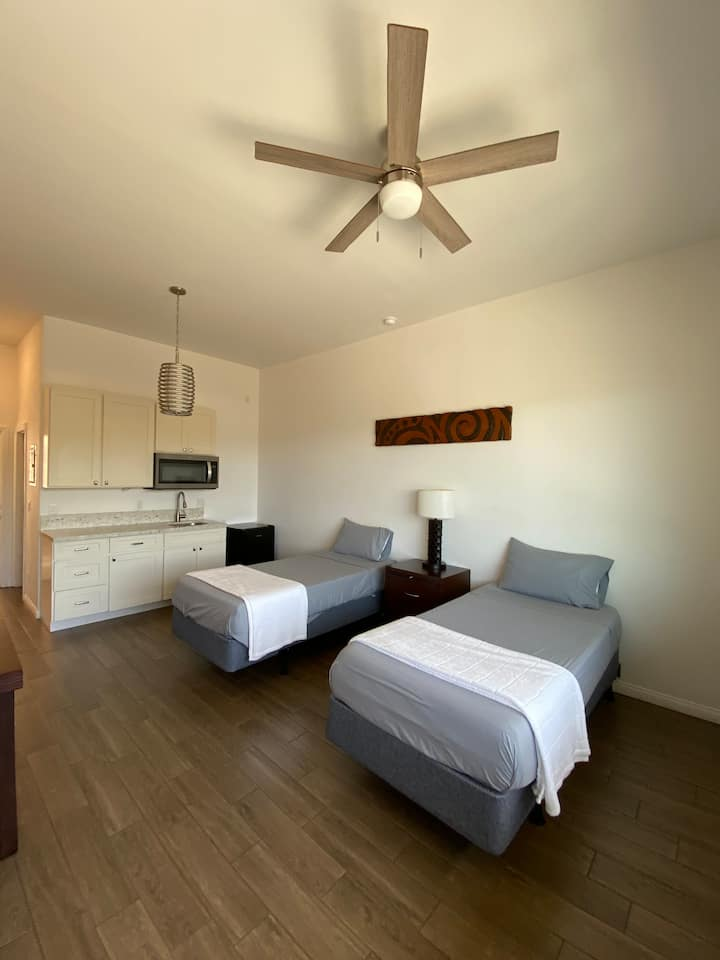 #2 Cozy Newly Remodeled Studio in Central Maui!