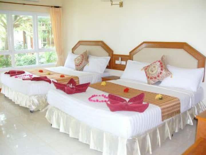 Palm Beach Room 2