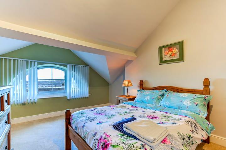 Bedroom 10 at Crawford Square