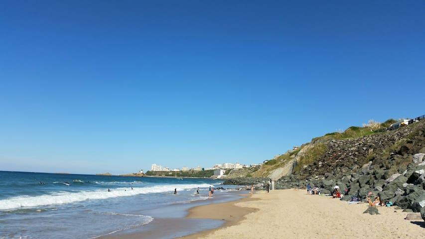 Vos loisirs à 2 pas:plage surf.....