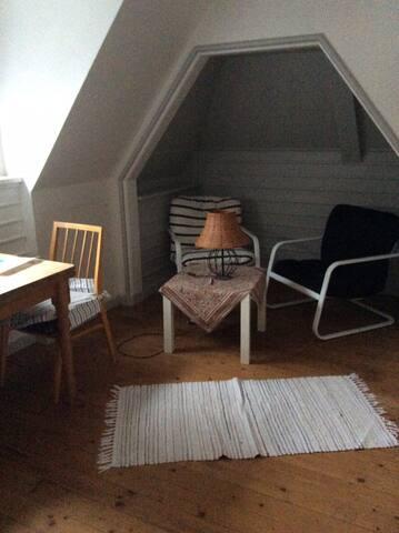 Zimmer am Waldrand mit Terrassennutzung
