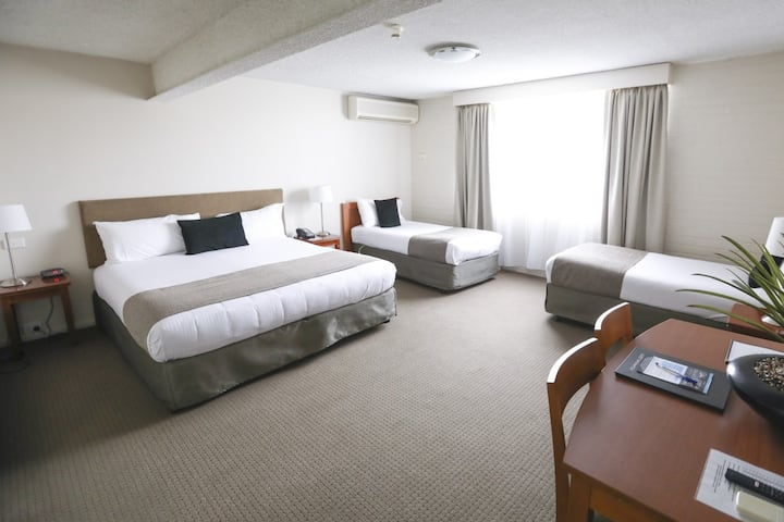 Orana Motel - Executive Family Room