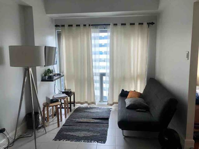 Charming 1BR-BGC n/ Burgos Circle/St.Luke's+WiFi