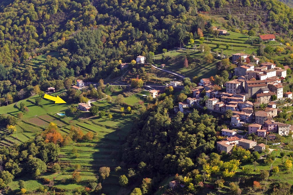 Sllico medieval village and the Villa.
