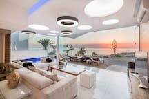 Luxury modern villa on the beach!