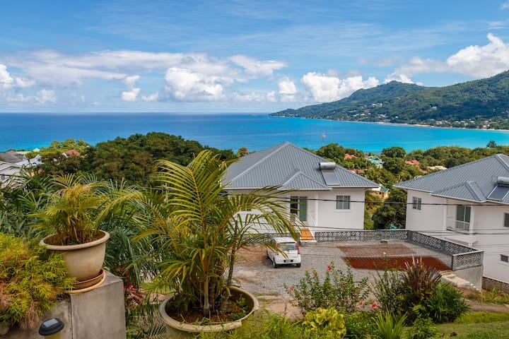 View of the Beau Vallon Bay from the property