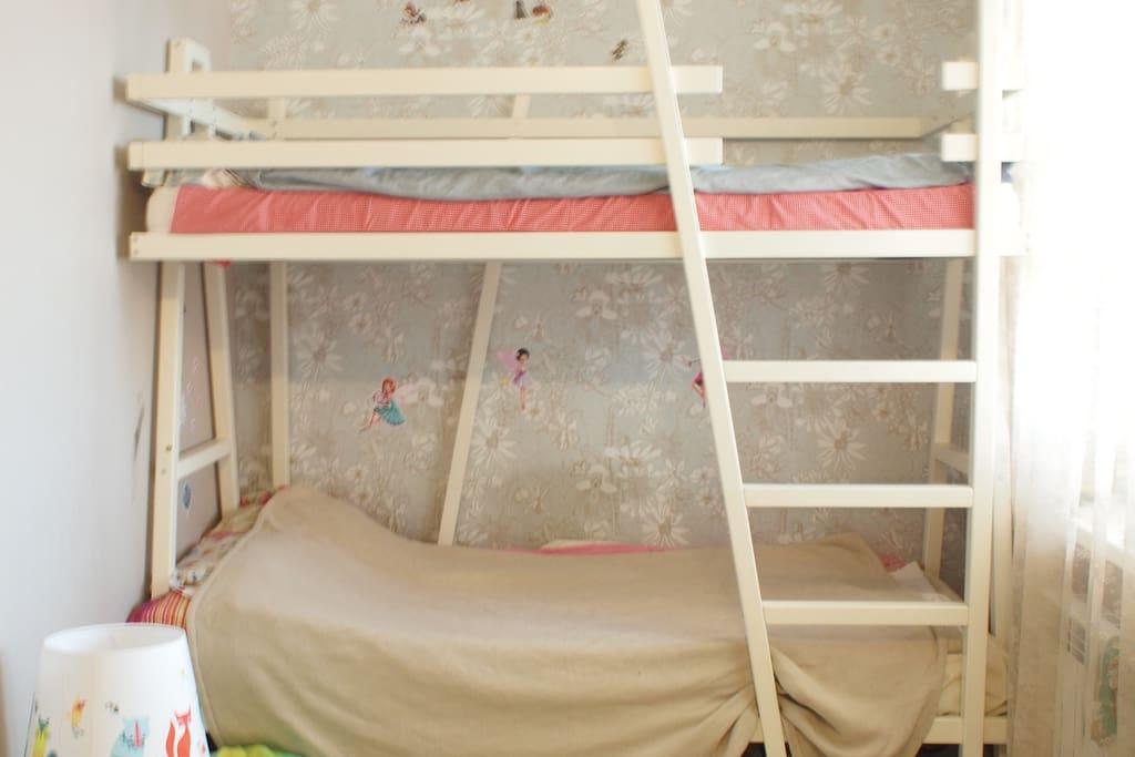 двухярусная кровать 90\200
