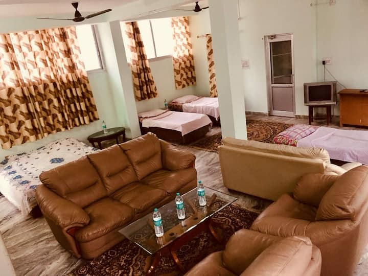 K Farms Homestay - 6 Bed AC dormitory