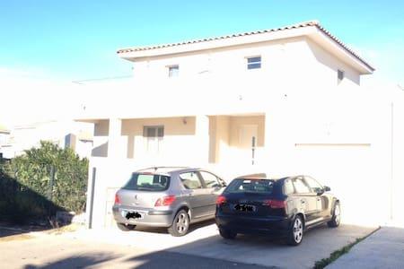 Maison contemporaine proche des plages - Aimargues