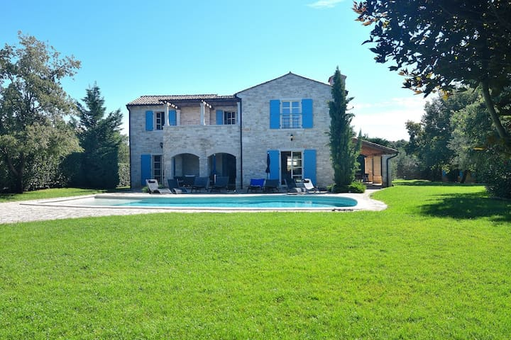 Istrian villa with pool & jacuzzi - Bibali - House