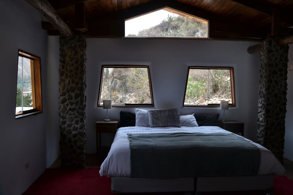 the room has the most beautiful view of the town , as these in the apu Pinkulluna and front can see the scenery that gives you the Sacred Valley !!