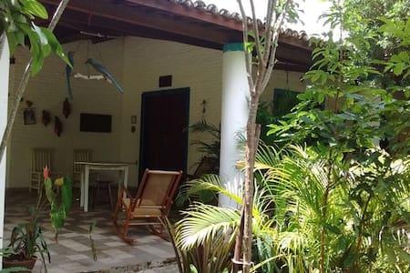 Casa de praia Paracuru com 5 suítes - Paracuru - Hus