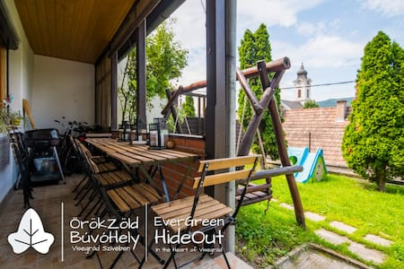 EverGreen HideOut - In the Heart of Visegrád