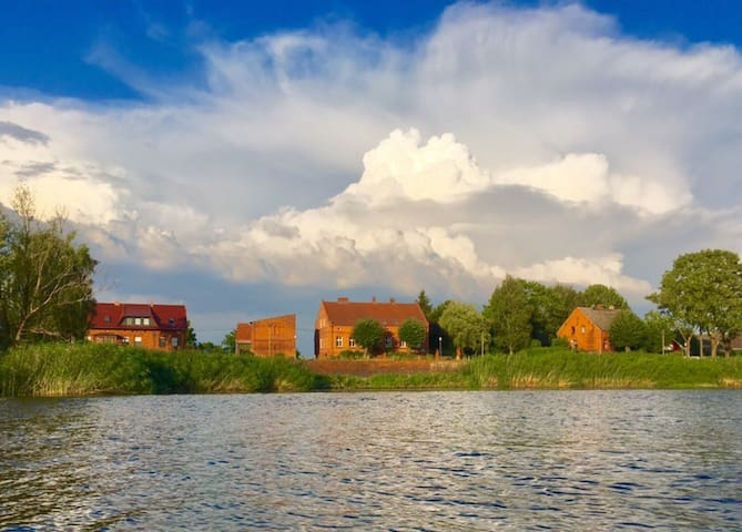 Rooms with a View of the Havel River in Strodehne
