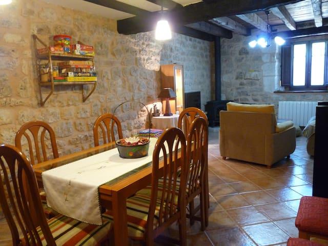 Casa rural cerca de Burgos - Las Hormazas Burgos - Hus