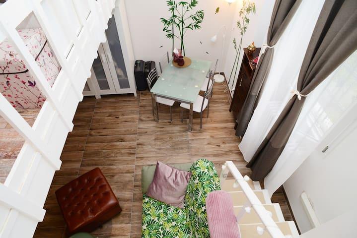 Comfortable, silent & charming Loft by the Navigli