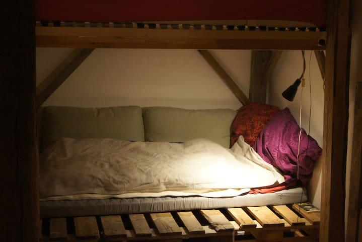 Gemütliche Einzimmer-Studentenwohnung - Colonia - Pis